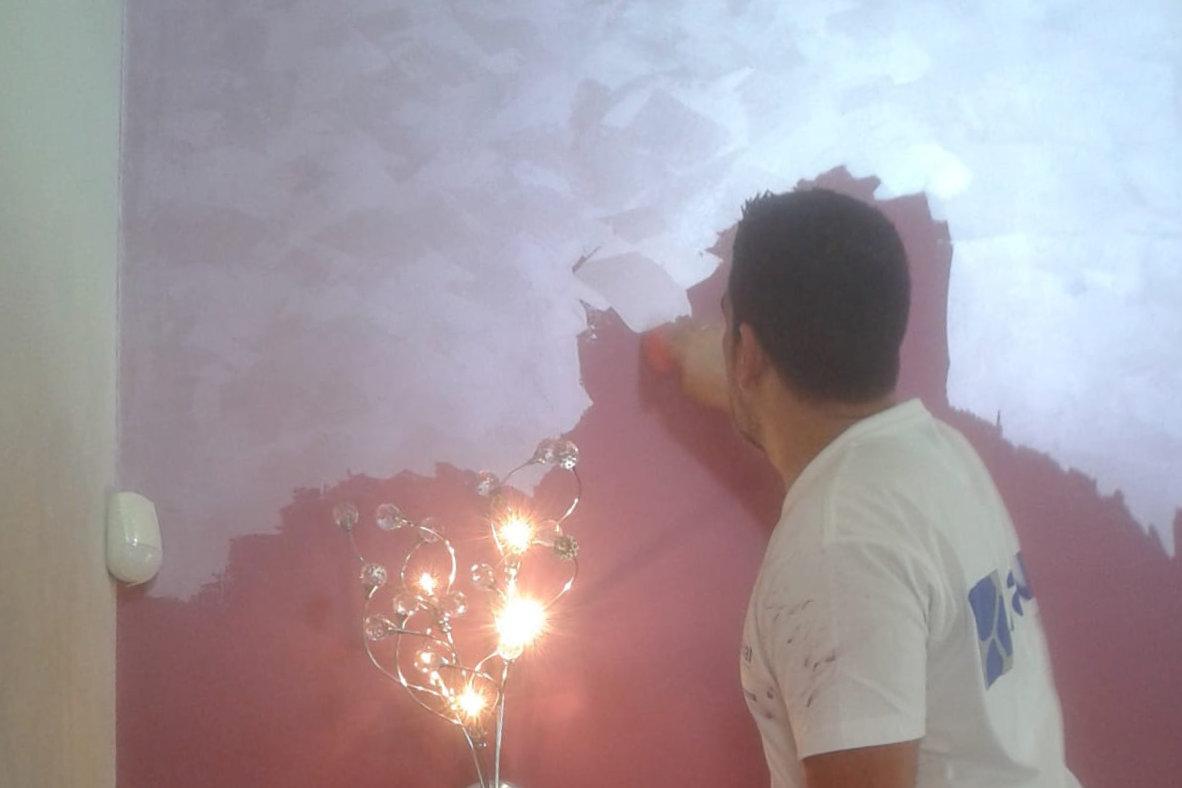 Aplicación de estuco en pared
